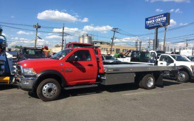 1760: 2017 Dodge 5500 4×4 w 19′ Century 10 series Aluminum