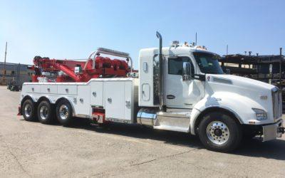 1763: 2018 KW T-880 Flattop w Century 1150 / 50 Ton Rotator Tow Truck