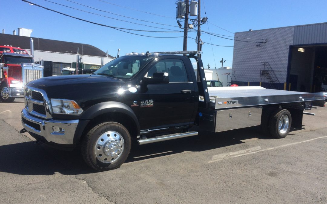 2087: 2018 Dodge 5500 4×4 w 19′ Century Aluminum Carrier