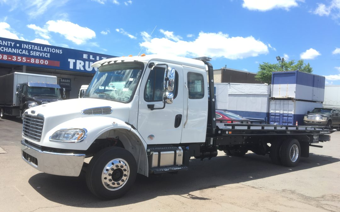 1967: 2019 Freightliner Ext Cab w 21′ Chevron 10 series Carrier