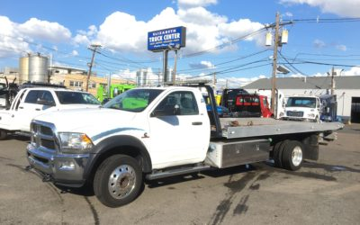 U-368: 2015 Dodge 5500 4×4 w 19′ Century 10 series Carrier