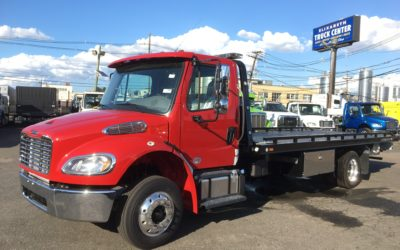 2042: 2019 Freightliner M2 w 21′ Chevron 10 series Carrier
