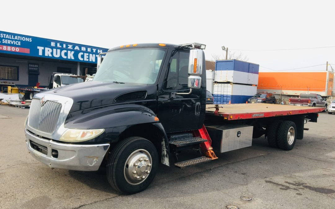 U-400: 2007 International 4300 w 20′ Jerr-Dan Carrier & SRS Side Puller