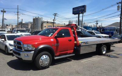 2085: 2018 Dodge 5500 4×4 w 19′ Century 10 series carrier