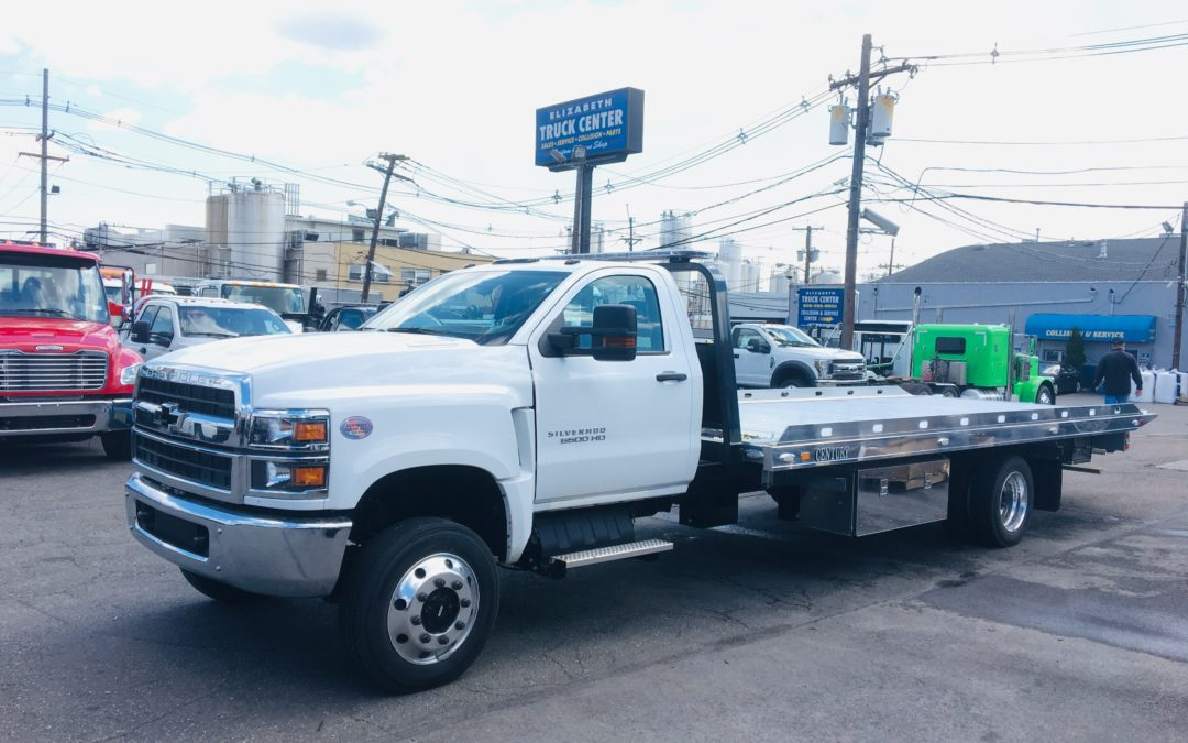 2130: 2019 Chevy 6500 4×4 w 21.5′ Century 10 series Aluminum Carrier