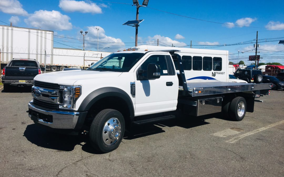 2218: 2019 Ford F-550 w 19′ Century 10 series Aluminum Carrier