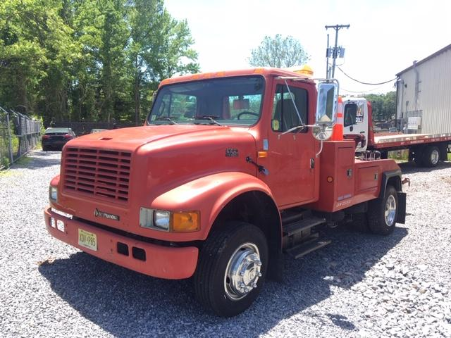 C-4700: 2000 IH 4700 w Vulcan 892 12 Ton Tow Truck