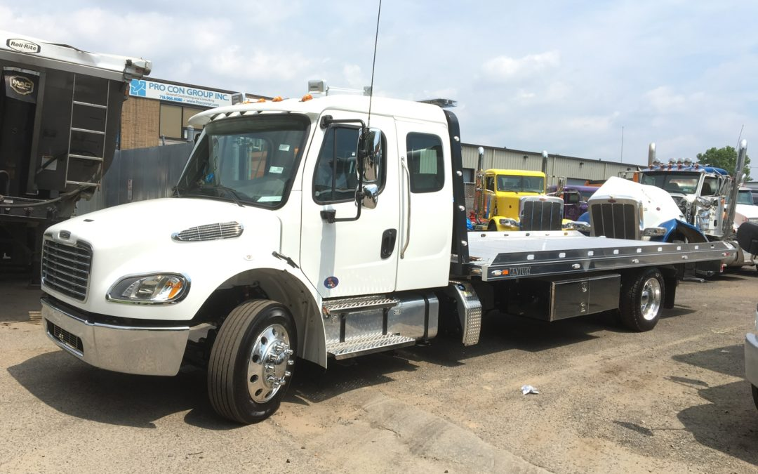 2200: 2020 Freightliner Ext Cab w 22′ Chevron Aluminum LCG Carrier