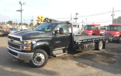 2127: 2019 Chevy 6500 4×4 w 21.5′ Century 10 series Carrier