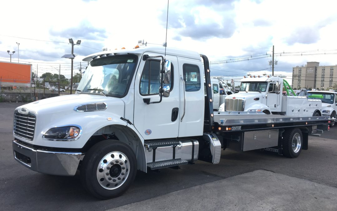 2201: 2020 Freightliner Ext Cab w 22′ Century 16 series Carrier