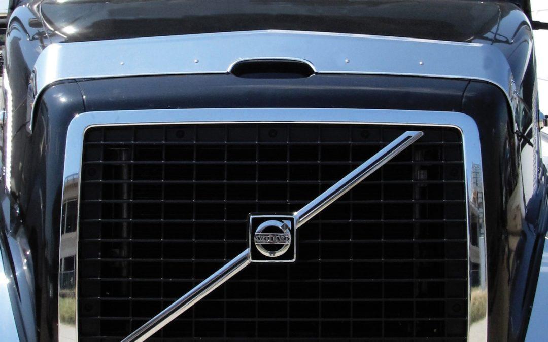 Volvo VNL bug shield