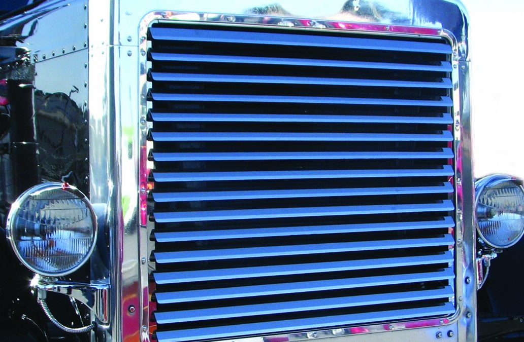 New Peterbilt 379 louvered grille