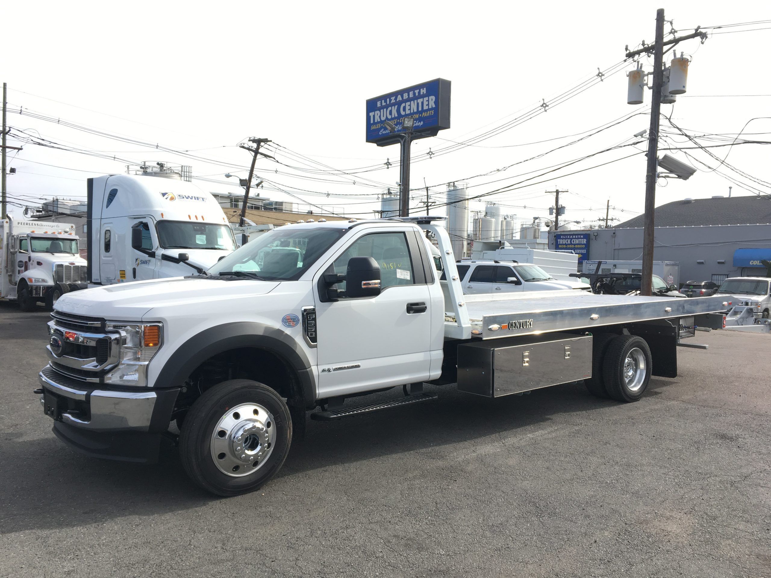 3023: 2020 Ford F-550 4×4 w 19′ Century 10 series Aluminum Carrier