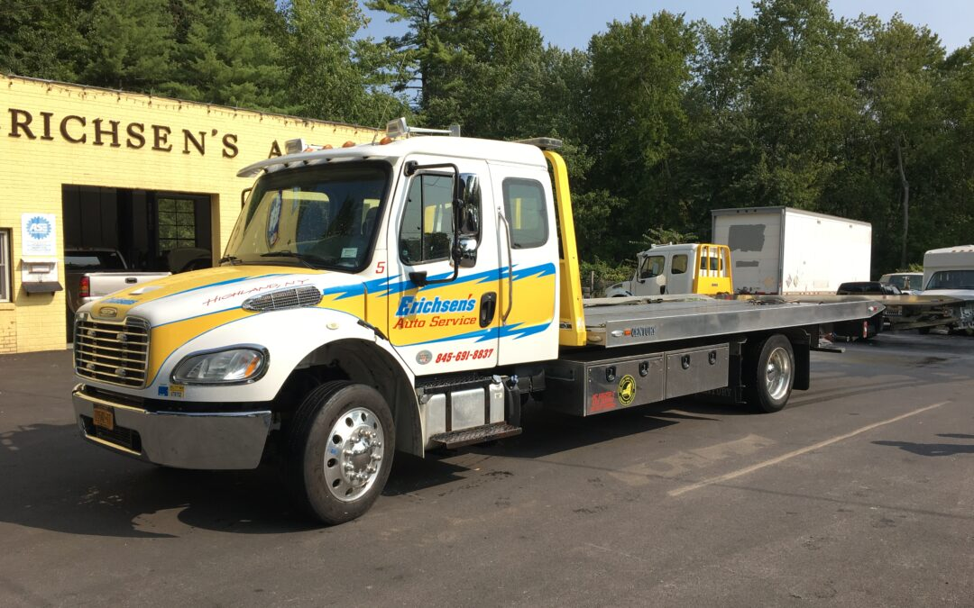 2018 Freightliner Ext cab w 21′ Century LCG Carrier