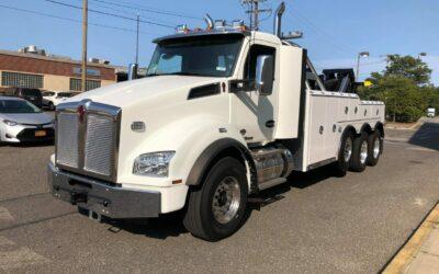 C-9055: 2020 Kenworth T880 w Century 9055 / 50 Ton Tow Truck